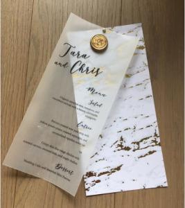 thiệp mời giấy nhựa trong