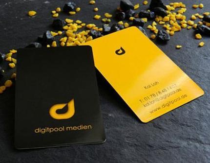 Card Giấy Hay Card Giấy Nhựa Sẽ Tốt Hơn